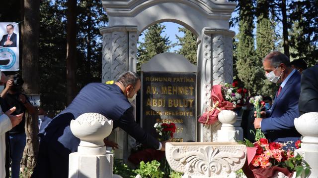 Kilis eski belediye başkanı Mehmet Abdi Bulut kabri başında anıldı