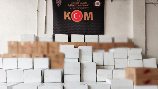Eskişehirde depodan 3 milyon 330 bin kaçak makaron çıktı