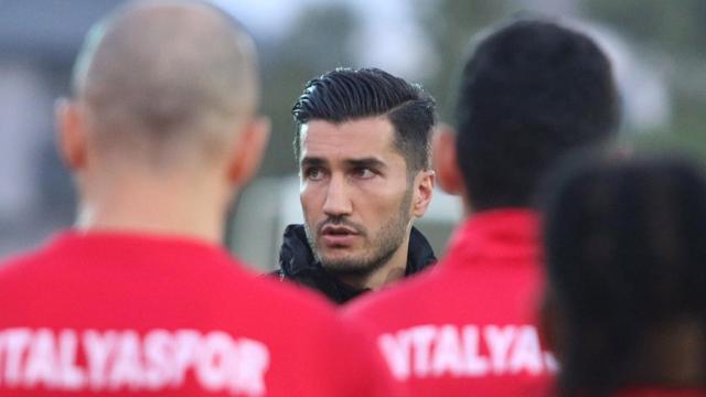 Antalyasporda Nuri Şahinin ekibi netleşiyor