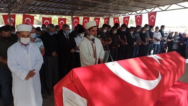 Kalp krizinden hayatını kaybeden uzman çavuşun cenazesi Osmaniyede defnedildi