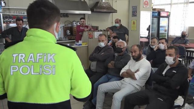 Kütahyada vatandaşlara emniyet kemerinin önemi anlatılıyor