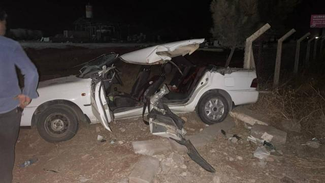 Şanlıurfada iş makinesiyle otomobil çarpıştı: 2 ölü, 6 yaralı