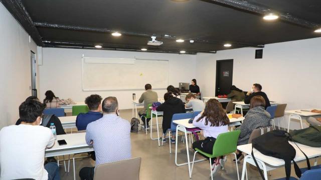 Talas Belediyesinin İngilizce kursları başladı