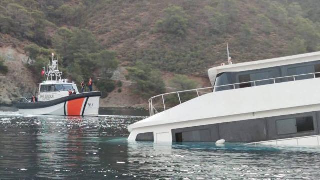 Fethiyede batan teknedeki yolcular kurtarıldı