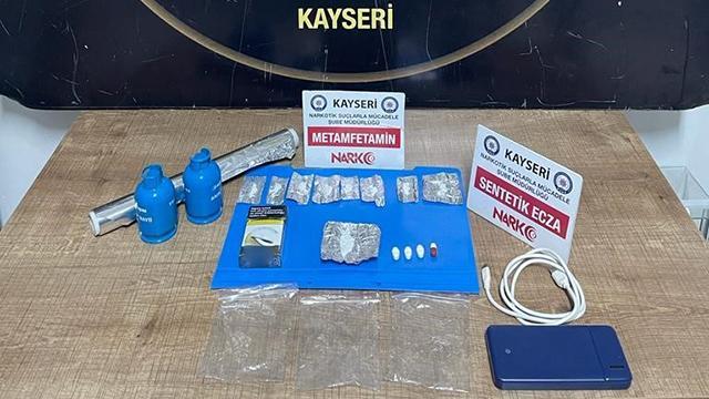 Kayseride uyuşturucu operasyonunda yakalanan 2 zanlı tutuklandı