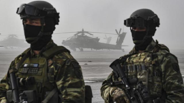 Yunanistanda tartışma: Fransa için Afrikaya asker gönderilecek mi?