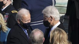 Biden eski ABD Başkanı Clinton ile telefonda görüştü