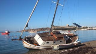 Bodrum'da tekne karaya oturdu