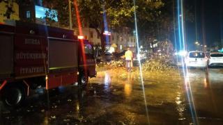 Bursa'yı sağanak ve fırtına vurdu