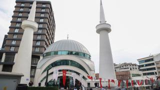 Yeniden inşa edilen Çifte Minare Camii ibadete açıldı