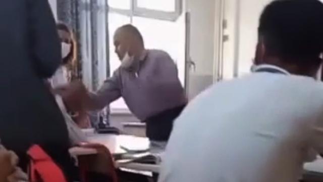 Öğrencisini döven öğretmen açığa alındı
