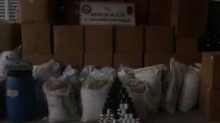 Kaçak sigara üretimi için imalathane kuran kişiler yakalandı