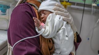 Covid-19 tedavisinde vefat eden annenin bebeği kurtarıldı