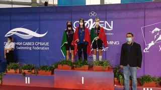 Milli yüzücüler Talya Erdoğan ve Meriç Uygun Comen Cup'ta birinci oldu