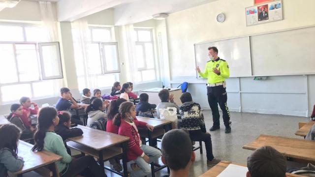 Bitliste öğrencilere trafik eğitimi verildi