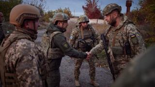 Zelenskiy, Ukrayna'nın Savunucuları Günü'nde Donbas cephesini ziyaret etti