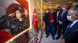 Bakan Gül'den 15 Temmuz şehidinin ailesine ziyaret
