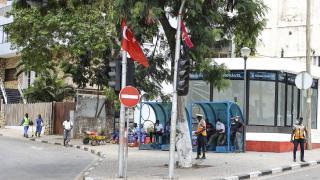 Cumhurbaşkanı Erdoğan'ın ziyareti öncesi Luanda Türk bayraklarıyla donatıldı