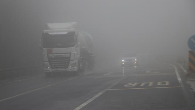 Bolu Dağı'nda yoğun sis ulaşımı aksattı