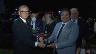 TRT Haber kameramanı Bülent Serin'e başarı ödülü