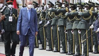 Cumhurbaşkanı Erdoğan Angola'dan resmi törenle uğurlandı