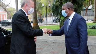 Cumhurbaşkanı Erdoğan Angola'da resmi törenle karşılandı