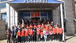 Hakkarili 40 öğrenci 4 günlük gezi için Ankara'ya gönderildi