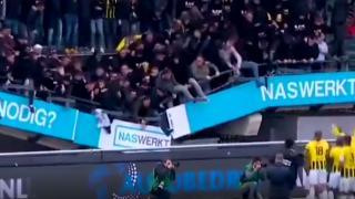 Hollanda'da galibiyet kutlamasında tribün çöktü