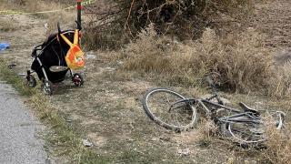 Ailesinin yanında otomobil çarpan bisikletli çocuk hayatını kaybetti