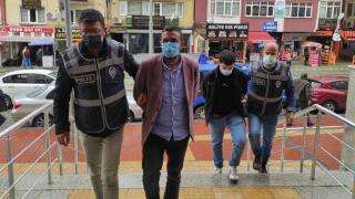 Kuyumcuları dolandırdığı iddia edilen iki kişi tutuklandı