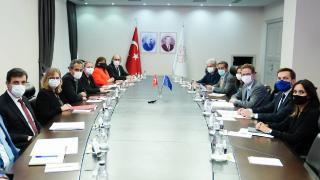 Bakan Özer, AB Türkiye Delegasyonu Başkanı Landrut'u kabul etti