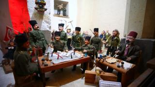 Kapadokya'daki müzede 80 ülkenin kültürünü yansıtan folklorik bebekler sergileniyor