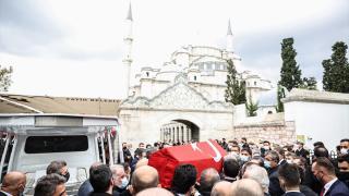 Milli SİHA'ların 'fikir babası' Özdemir Bayraktar son yolculuğuna uğurlandı