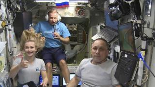 Rus yönetmen ve oyuncu uzay deneyimlerini paylaştı