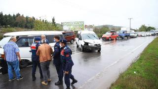 Sakarya'da zincirleme trafik kazası: 3 yaralı