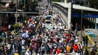 El Salvador'da binlerce kişi Bukele hükümetini protesto etti