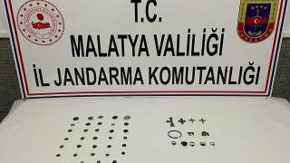 Malatya'da tarihi eser operasyonu: 46 obje ele geçirildi