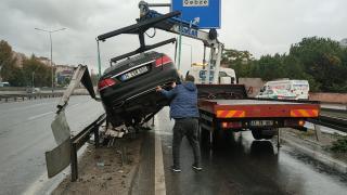 Kocaeli'de otomobiliyle bariyere çarpan alkollü sürücüye para cezası