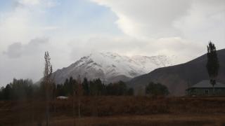 İspiriz Dağı'nın zirvesi beyaza büründü