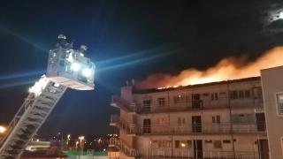 Büyükçekmece'de bir sitede çıkan yangın söndürüldü