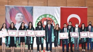 Adana'da stajını tamamlayan 14 avukat mesleğe başladı