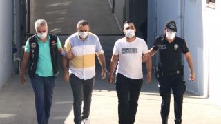Adana'da oto yıkamacıda uyuşturucu satışı yaptığı iddiasıyla 2 kişi yakalandı