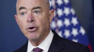 ABD İç Güvenlik Bakanı virüse yakalandı
