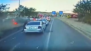 Bingöl'de 6 kişinin yaralandığı zincirleme kaza kamerada