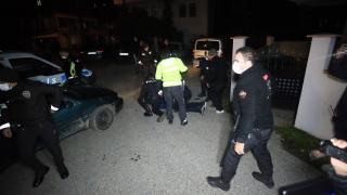 """Polisin """"dur"""" ihtarına uymayan 4 şüpheli kovalamaca sonucu yakalandı"""