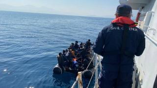 Kuşadası açıklarında 53 düzensiz göçmen kurtarıldı