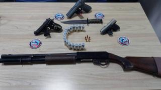 Edirne'de ruhsatsız silah taşıyan 3 kişiye gözaltı