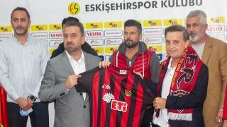 Eskişehirspor'un yeni teknik direktörü Suat Kaya oldu
