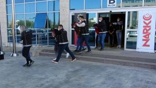 Uşak ve Denizli'de eş zamanlı uyuşturucu operasyonunda 3 kişi tutuklandı