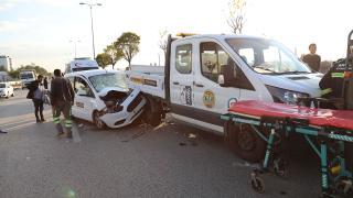 Ankara'da 3 aracın karıştığı kazada 10 kişi yaralandı